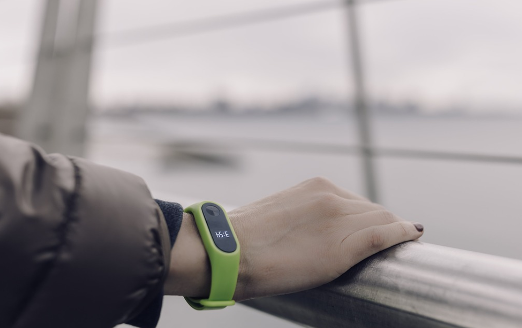 Fitbit Favored Among Older US Consumers for Fitness Trackers, Smart Watches, and GPS Sports Watches